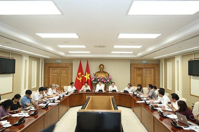 Phó Thủ tướng Vũ Đức Đam cùng Bộ GD-ĐT bàn chuyện cải tổ sư phạm - Ảnh 1.