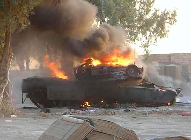 Xe tăng M1 Abrams liên tiếp dính đòn sấp mặt: Thời oanh liệt nay còn đâu? - Ảnh 1.