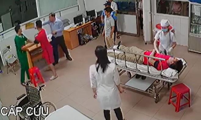 Giám đốc đánh nữ bác sĩ ở Nghệ An: Tôi thấy xấu hổ - Ảnh 2.