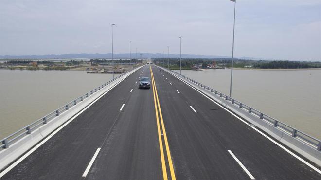 Ngắm cầu vượt biển dài nhất Đông Nam Á trước giờ thông xe - Ảnh 2.