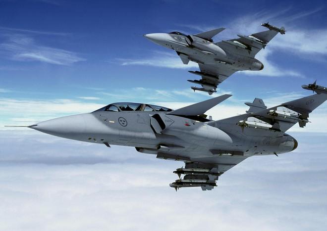 Chán nản với MiG-35, Rafale, Ấn Độ quay ngoắt sang Gripen của Thụy Điển: Hé lộ nội tình - Ảnh 1.