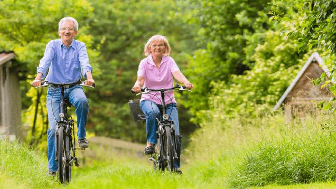Tuổi chỉ là con số, đây mới là 7 cách làm chậm lão hóa ai cũng nên biết - Ảnh 1.