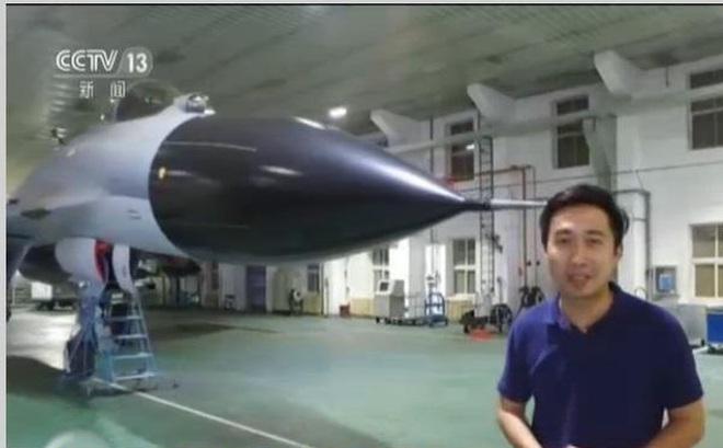 """Phóng viên """"đột kích"""" nhà máy sản xuất tiêm kích J-11 Trung Quốc: Phát hiện điều bất ngờ"""