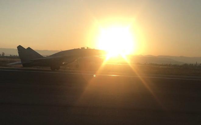 """Nga tung MiG-29SMT sang Syria: Đoàn nhà báo quốc tế chờ đòn """"sấm sét"""""""