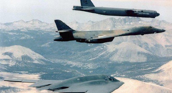 Trút mưa bom xuống Afghanistan - Mỹ vẫn loay hoay trong mớ hỗn độn - Ảnh 1.