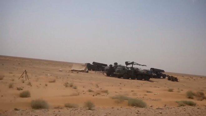Pháo phản lực hạng nặng QĐ Syria bắn cấp tập, san bằng các mục tiêu của IS ở Deir Ezzor - Ảnh 1.