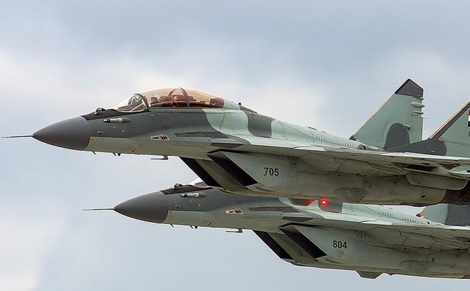 """MiG-29M/M2 đã sơn cờ và số hiệu, Nga sẵn sàng bàn giao """"cặp đôi hoàn hảo"""" cho khách hàng"""