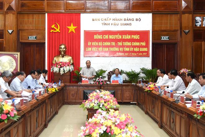 Thủ tướng: Hậu Giang cần chuyển từ nền nông nghiệp hóa học sang hữu cơ - Ảnh 1.