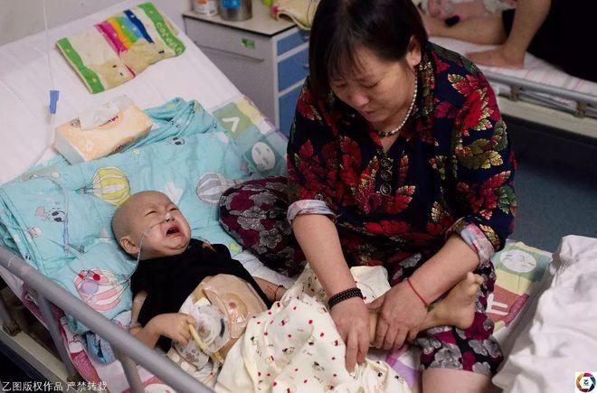 Mẹ nhẫn tâm bỏ con 2 tuổi ung thư, trộm luôn gần 1 tỉ tiền vay cho con chữa bệnh - Ảnh 6.