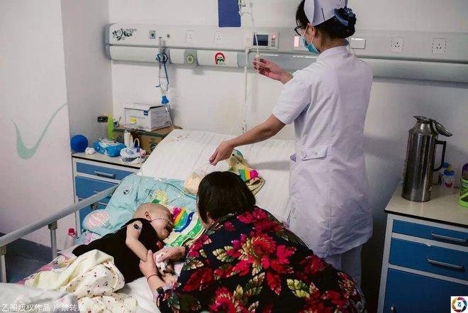 Mẹ nhẫn tâm bỏ con 2 tuổi ung thư, trộm luôn gần 1 tỉ tiền vay cho con chữa bệnh - Ảnh 5.