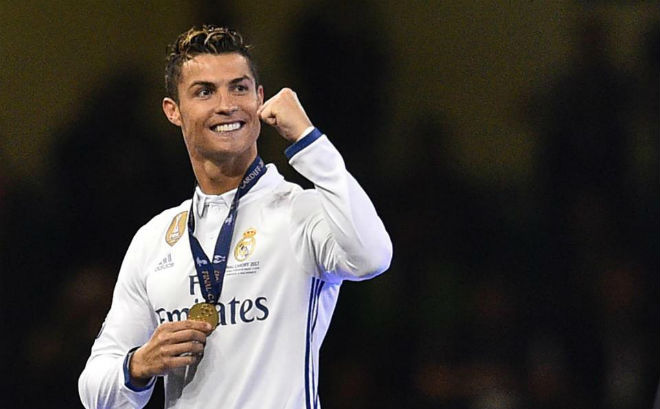 Ronaldo muốn rời Real: PSG chịu chơi hơn MU, vung 200 triệu bảng