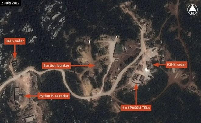 Sự xuất hiện của 1 khí tài cổ lỗ phơi bày toàn bộ điểm yếu của phòng không Nga tại Syria - Ảnh 1.