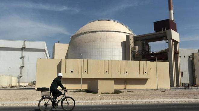 Ông Trump dọa xóa thỏa thuận hạt nhân: Châu Âu tái mặt, lời tiên tri ở Iran thành sự thật - Ảnh 1.
