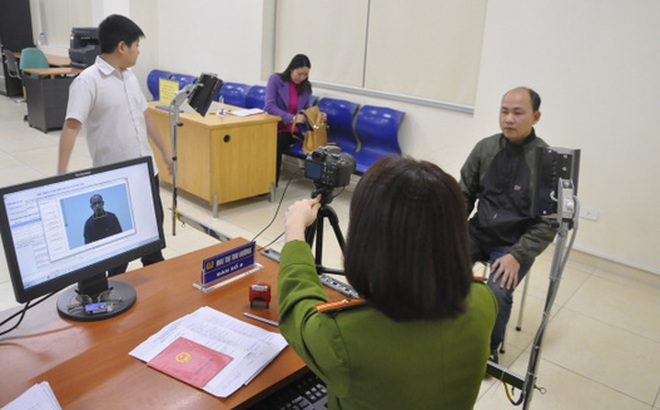Phó Thủ tướng yêu cầu khắc phục việc chậm trả thẻ căn cước