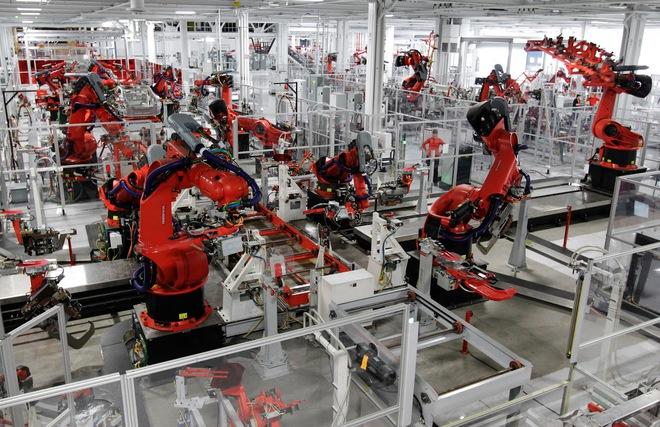 """Elon Musk """"khoe"""" dàn AI khủng chuyên dành lắp ráp cho xe Model 3 - Ảnh 2."""