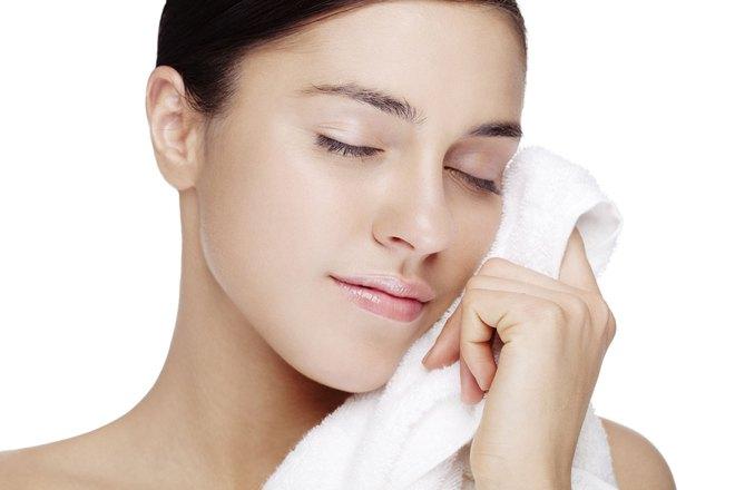 Có tới 12 tác dụng kỳ diệu cho sức khỏe chỉ với 1 chiếc khăn mặt ấm: Bạn nên thử ngay! - Ảnh 3.