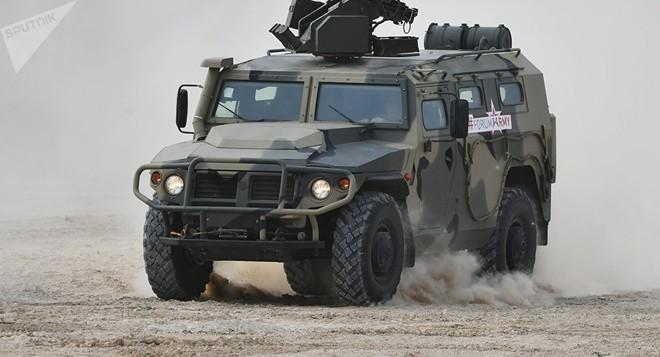 Quốc gia NATO duy nhất từ chối Humvee Mỹ để mua xe bọc thép Nga - Ảnh 1.