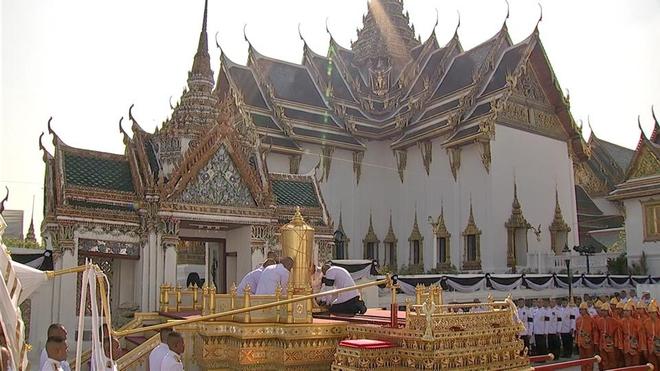 Toàn cảnh lễ hỏa táng cố Quốc vương Thái Lan Bhumibol - Ảnh 19.