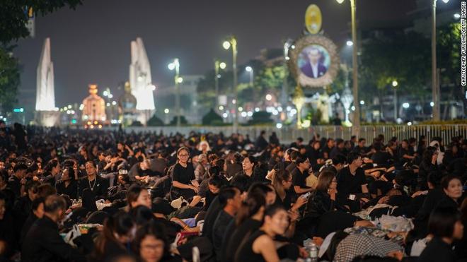 Toàn cảnh lễ hỏa táng cố Quốc vương Thái Lan Bhumibol - Ảnh 22.
