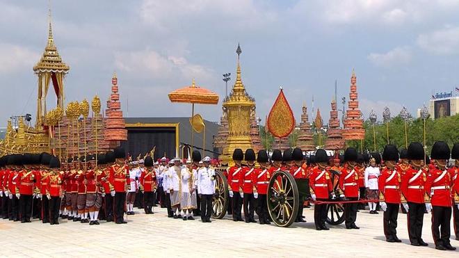 Toàn cảnh lễ hỏa táng cố Quốc vương Thái Lan Bhumibol - Ảnh 14.