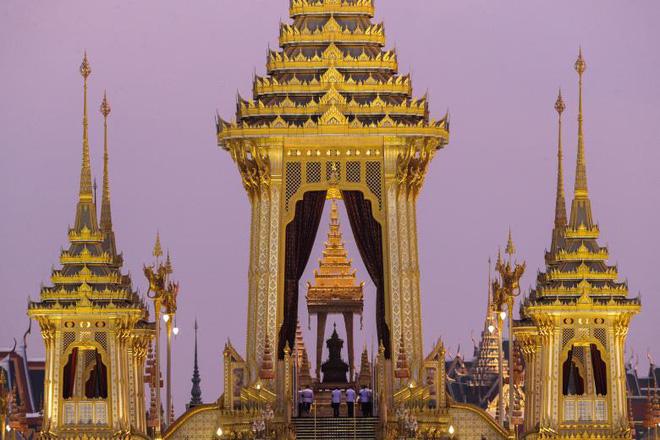 Toàn cảnh lễ hỏa táng cố Quốc vương Thái Lan Bhumibol - Ảnh 4.