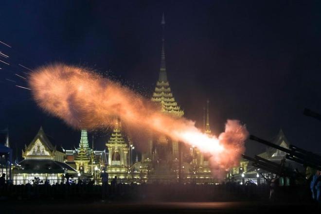 Toàn cảnh lễ hỏa táng cố Quốc vương Thái Lan Bhumibol - Ảnh 7.