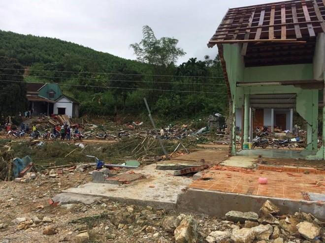 Quảng Nam: Thêm 2 vụ sạt núi vùi lấp 15 người trong 5 gia đình tại huyện miền núi Nam Trà My - Ảnh 2.