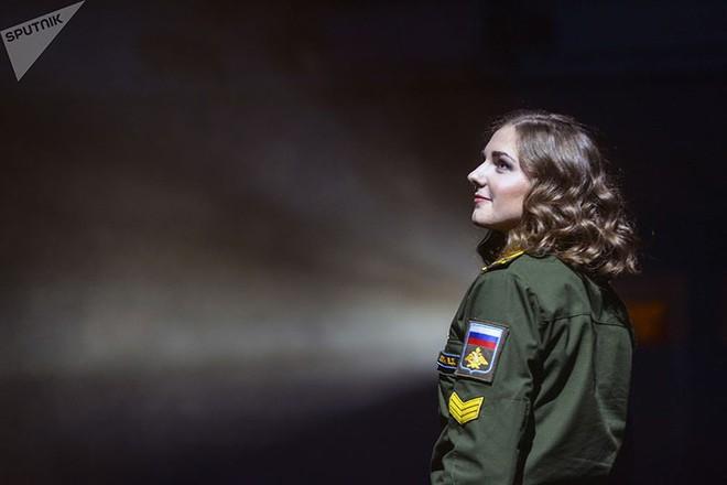 Ảnh: Chao đảo vì các thí sinh hoa hậu học viên quân sự ở Nga - Ảnh 11.