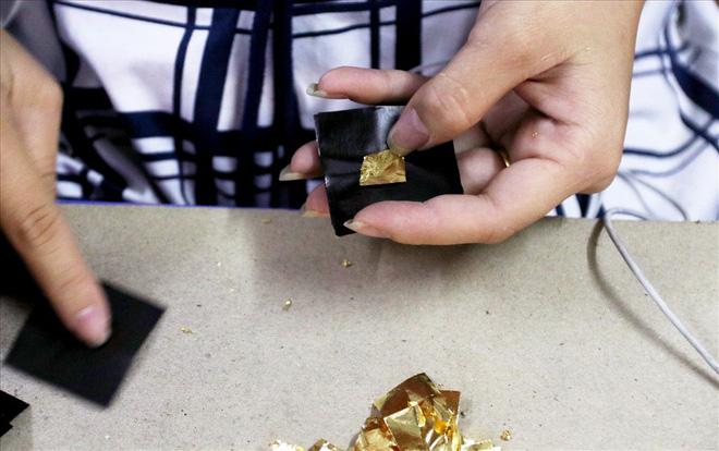 Đi tìm bí mật của đàn ông Kiêu Kỵ đập hơn 1400 nhát búa mỗi giờ làm vàng quỳ - Ảnh 2.
