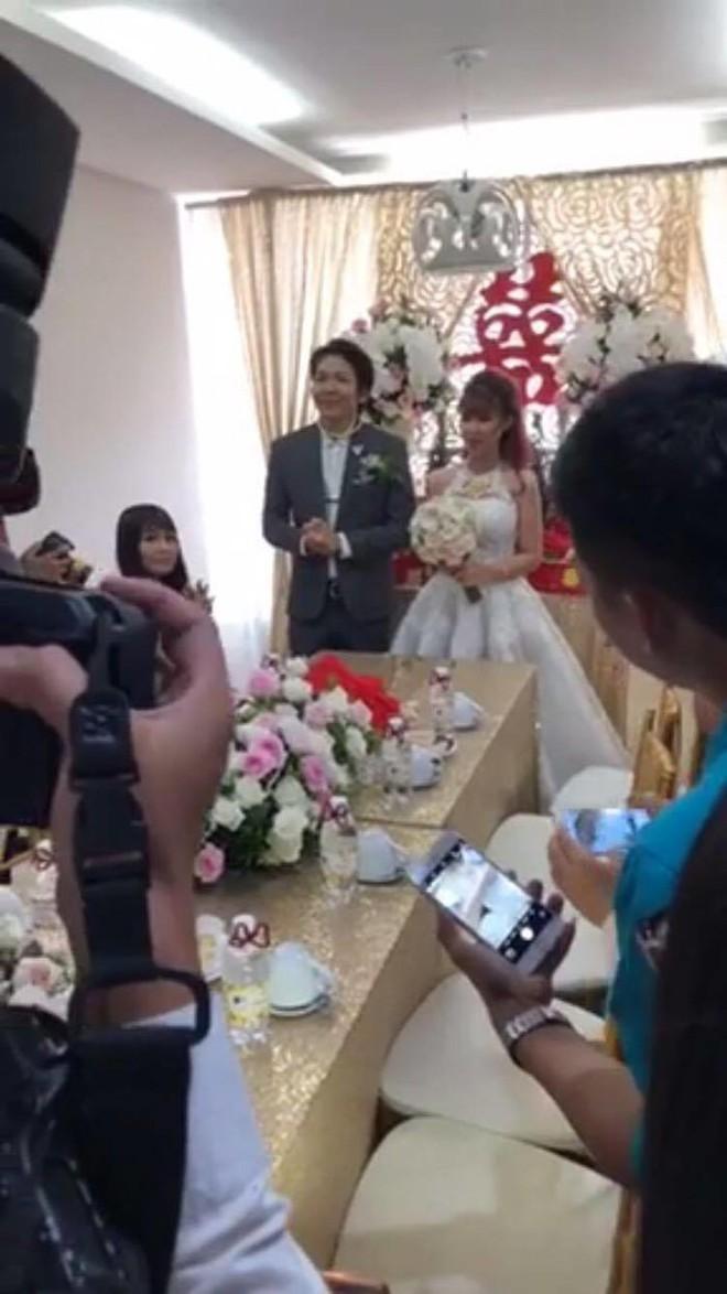 HOT: Đánh lừa công chúng, Khởi My và Kelvin Khánh đã bí mật tổ chức lễ cưới sáng nay - Ảnh 1.