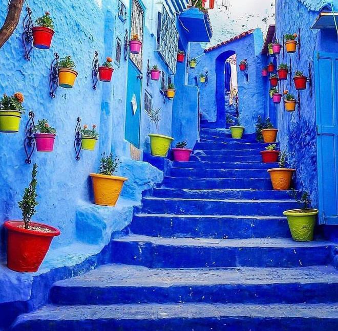 Chiêm ngưỡng vẻ đẹp cổ tích của 25 con phố rực rỡ khắp nơi trên thế giới - Ảnh 2.