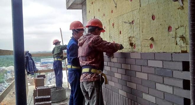 Cấm vận LHQ bắt đầu có hiệu lực, người lao động Triều Tiên ở nước ngoài sẽ đi về đâu? - Ảnh 2.