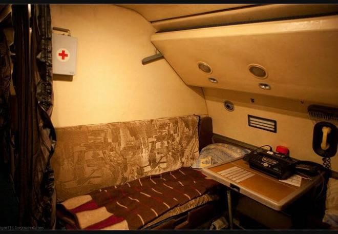 Người VN duy nhất 4 lần bay siêu vận tải cơ An-124 chuyển khí tài quân sự về nước - Ảnh 3.