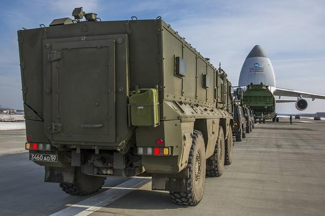 Người VN duy nhất 4 lần bay siêu vận tải cơ An-124 chuyển khí tài quân sự về nước - Ảnh 2.