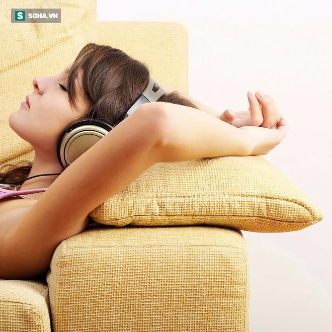 Bỏ ngay 8 quan niệm sai lầm thường gặp sau nếu không muốn mất ngủ triền miên - Ảnh 3.