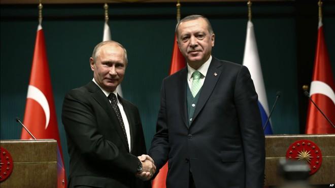 Sức mạnh Nga hồi sinh, cán cân Trung Đông đổ dồn về Kremlin sau chuyến thăm của ông Putin - Ảnh 2.
