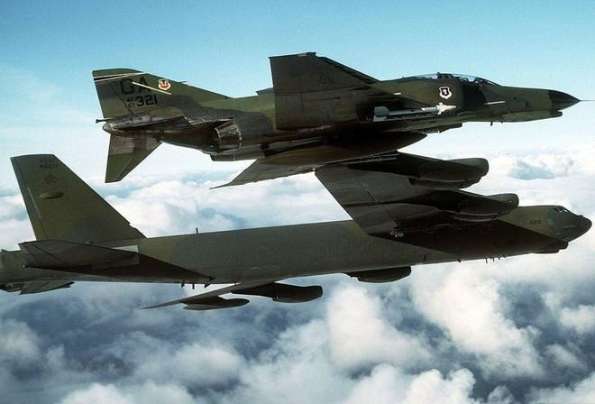 B-52 được lệnh tự do chuyển hướng vẫn rụng như sung trước tên lửa VN: Chuyện gì đã xảy ra? - Ảnh 2.
