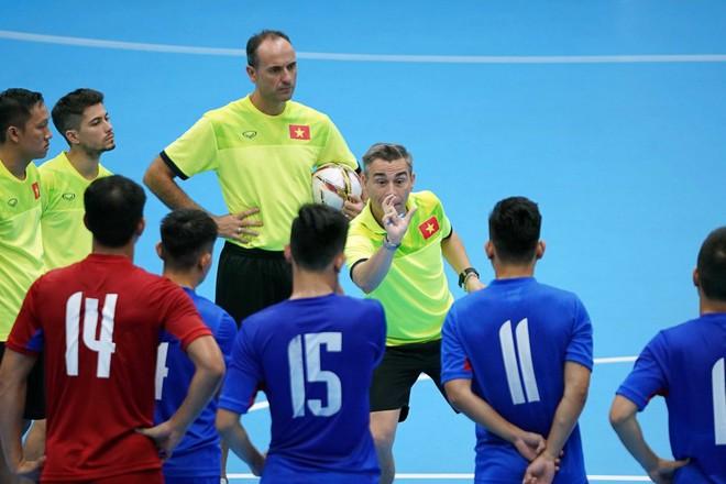 Người hùng World Cup bị loại khỏi đội tuyển futsal Việt Nam dự giải châu lục - Ảnh 2.
