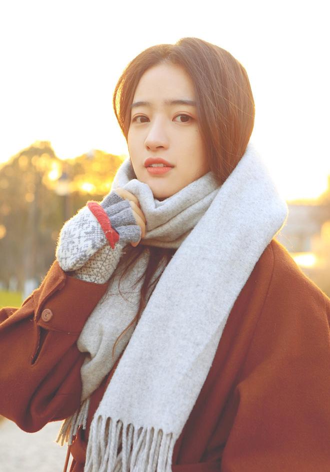 Con nhà người ta ở Trung Quốc, không phải hot girl nhưng vẫn có nửa triệu follow - Ảnh 2.