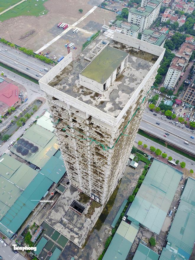 Tháp nghìn tỷ bỏ hoang trên đường vành đai 3 Hà Nội - Ảnh 13.