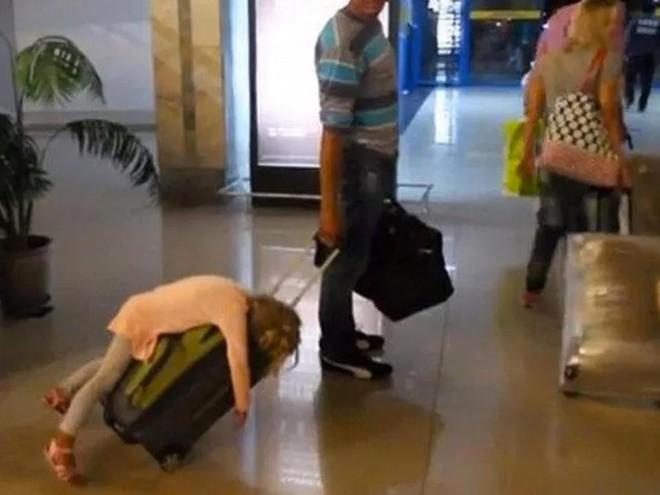15 cảnh tượng khó hiểu bạn không thể ngờ được là có thể diễn ra ở sân bay - Ảnh 15.