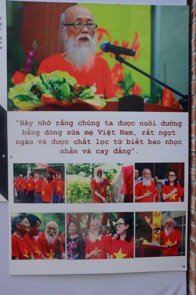 """Hàng vạn hạc giấy """"yêu thương"""" và lễ tri ân đầy dấu ấn về thầy Văn Như Cương - Ảnh 18."""