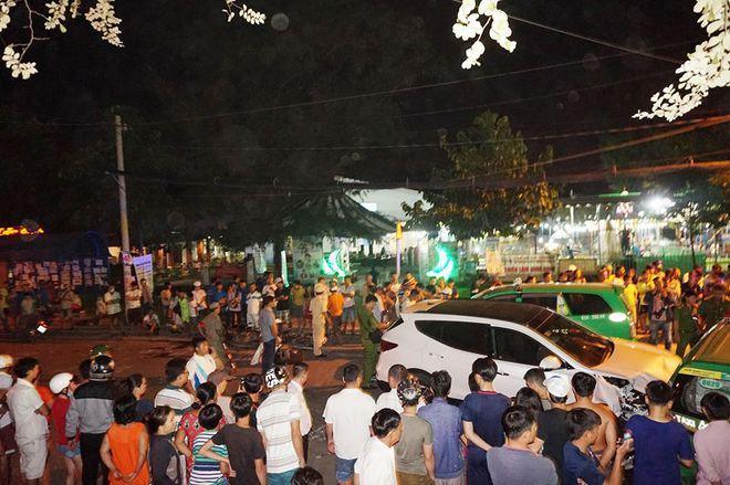Ô tô húc văng hơn 10 xe, 2 người chết ở Sài Gòn - Ảnh 2.