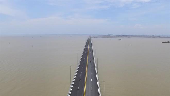 Ngắm cầu vượt biển dài nhất Đông Nam Á trước giờ thông xe - Ảnh 3.
