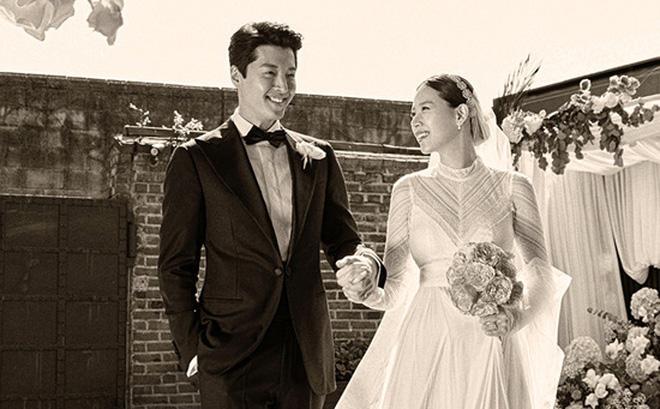 Những hình ảnh đẹp trong đám cưới bí mật của tài tử Lee Dong Gun
