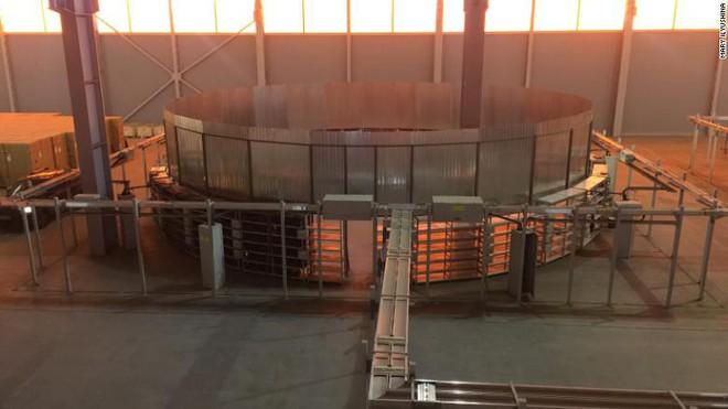 Đến thăm nhà máy đào tiền điện tử hạng khủng ở Nga - Ảnh 3.