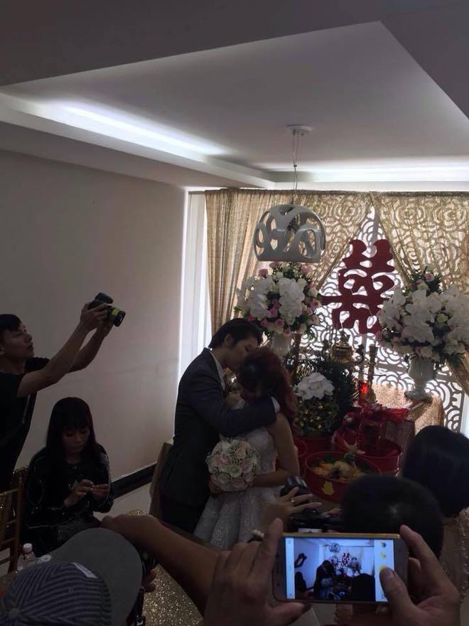 Má Năm nổi tiếng khó tính đã nói gì với Khởi My và Kelvin Khánh trong ngày hạnh phúc? - Ảnh 4.