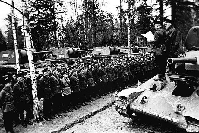 Xe tăng huyền thoại T-34 đè bẹp lực lượng thiết giáp Đức Quốc xã - Ảnh 3.