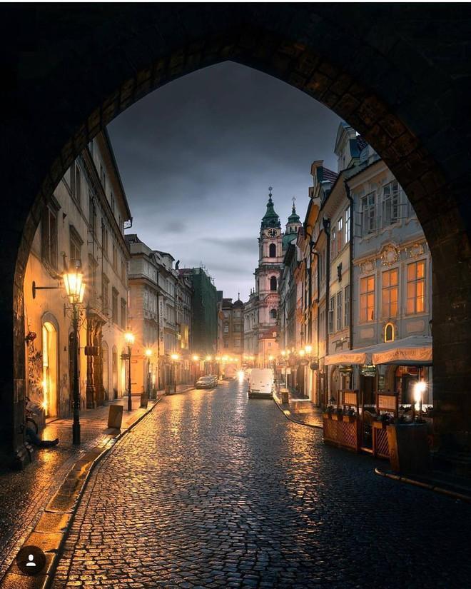 Chiêm ngưỡng vẻ đẹp cổ tích của 25 con phố rực rỡ khắp nơi trên thế giới - Ảnh 21.