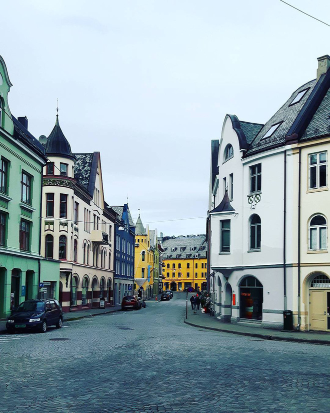 Chiêm ngưỡng vẻ đẹp cổ tích của 25 con phố rực rỡ khắp nơi trên thế giới - Ảnh 23.